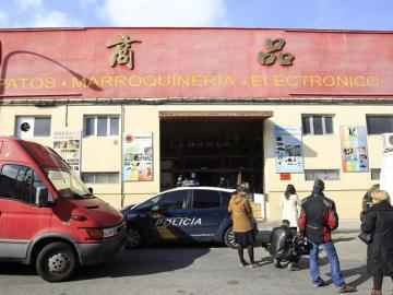 Registros es en el polígono industrial de Cobo Calleja, en la localidad madrileña de Fuenlabrada, en una operación contra la mafia china