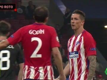 Las caras de desesperación e impotencia en el Atlético en el partido contra el Qarabag