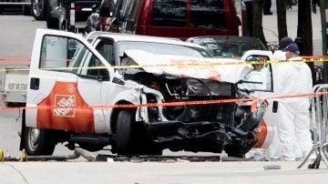 Coche destrozado del autor del atentado de Nueva York