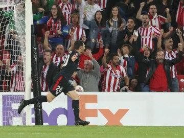 Aduriz celebra su gol contra el Ostersunds