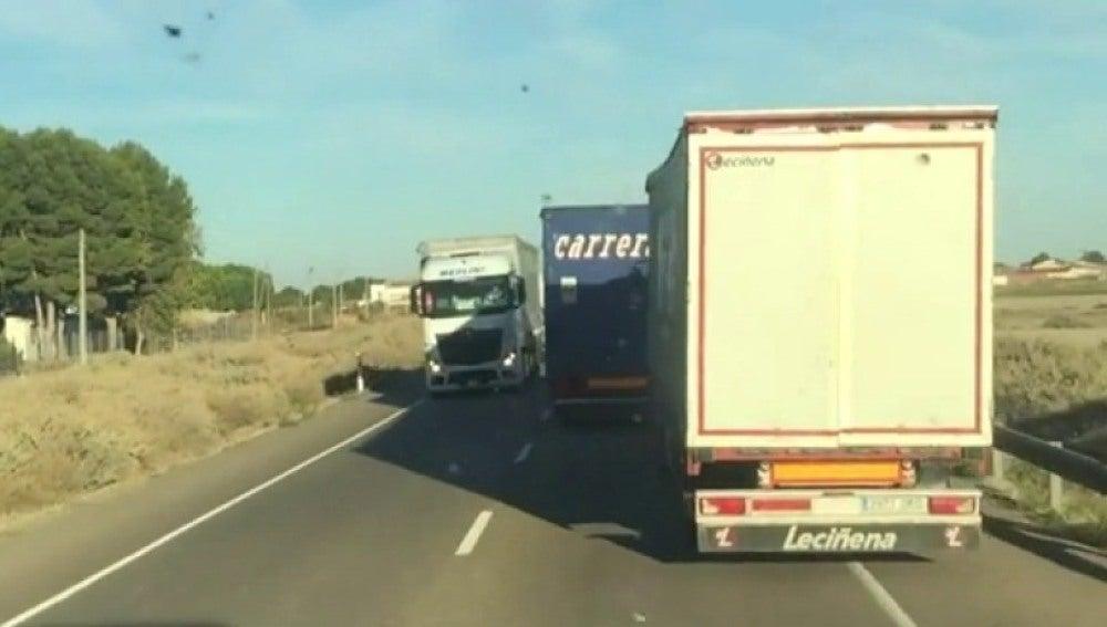 Adelantamiento temerario de un camión