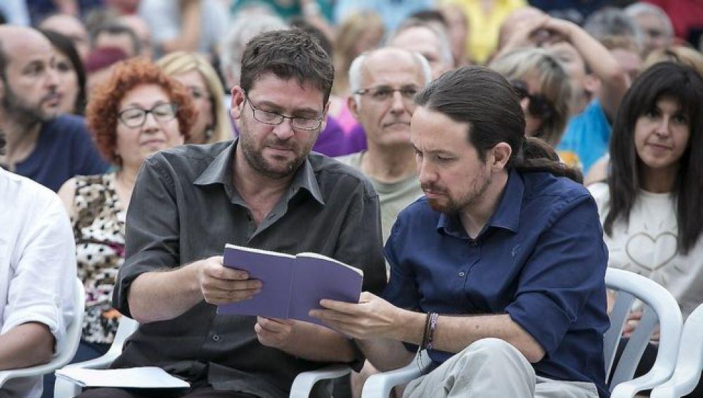 Albano Dante y Pablo Iglesias durante un mitin