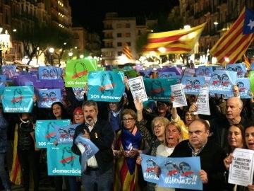 Concentraciones en Cataluña para exigir la libertad de los exconsellers presos