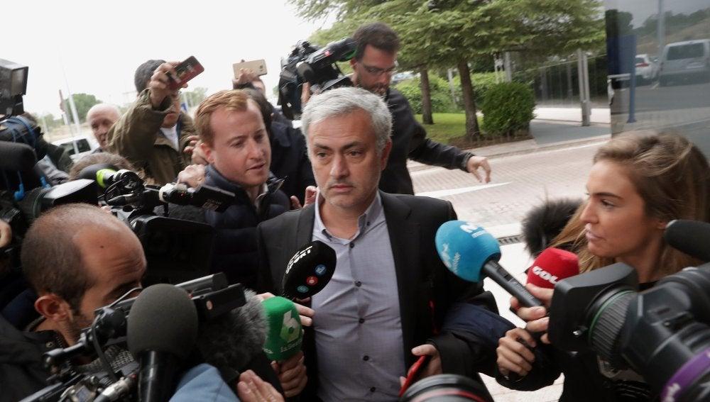 Mourinho, a su llegada al juzgado de Pozuelo