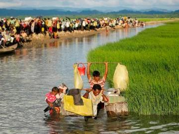 Refugiados rohinyás en la frontera entre Birmania y Bangladesh