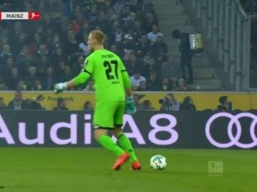 El cómico error del portero del Mainz que retuiteó Iker Casillas
