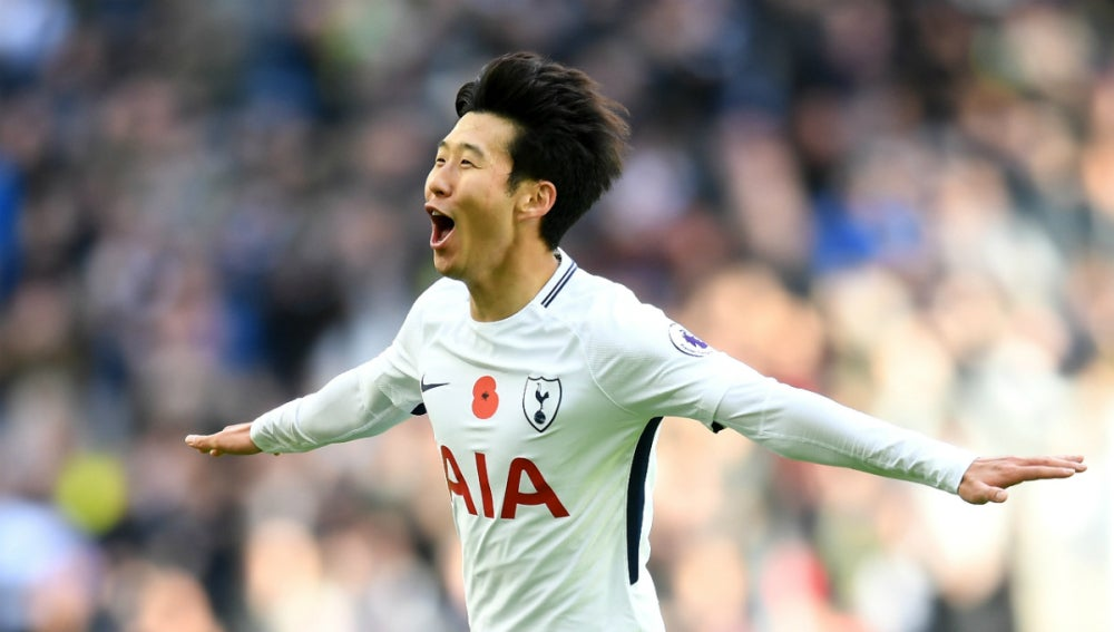 Son celebra un gol con el Tottenham