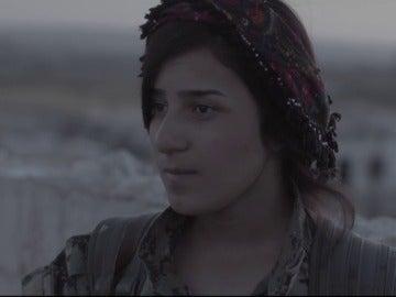 Una combatiente contra Dáesh en Raqqa