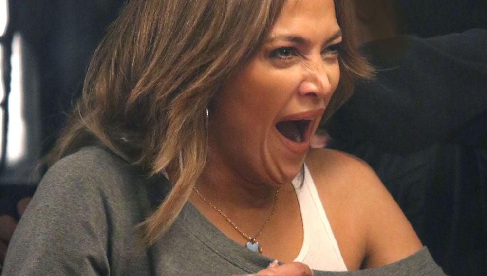 Jennifer Lopez se muere del aburrimiento