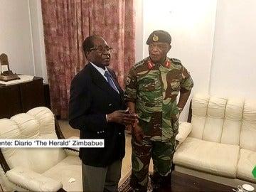 Mugabe se reúne con el alto mando del Ejército