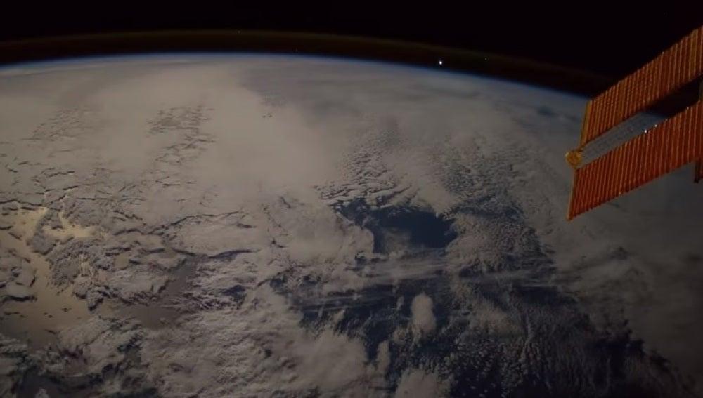 Imagen del meteorito captada por el astronauta Paolo Nespoli