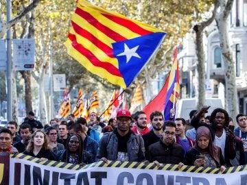Manifestación antifascista convocada por la Plataforma Unidad contra el Fascismo y el Racismo