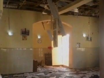 El interior de la mezquita tras la explosió