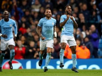 Sterling celebra su gol con el Manchester City