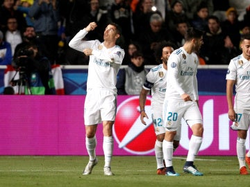 Cristiano Ronaldo celebra su primer gol ante el APOEL