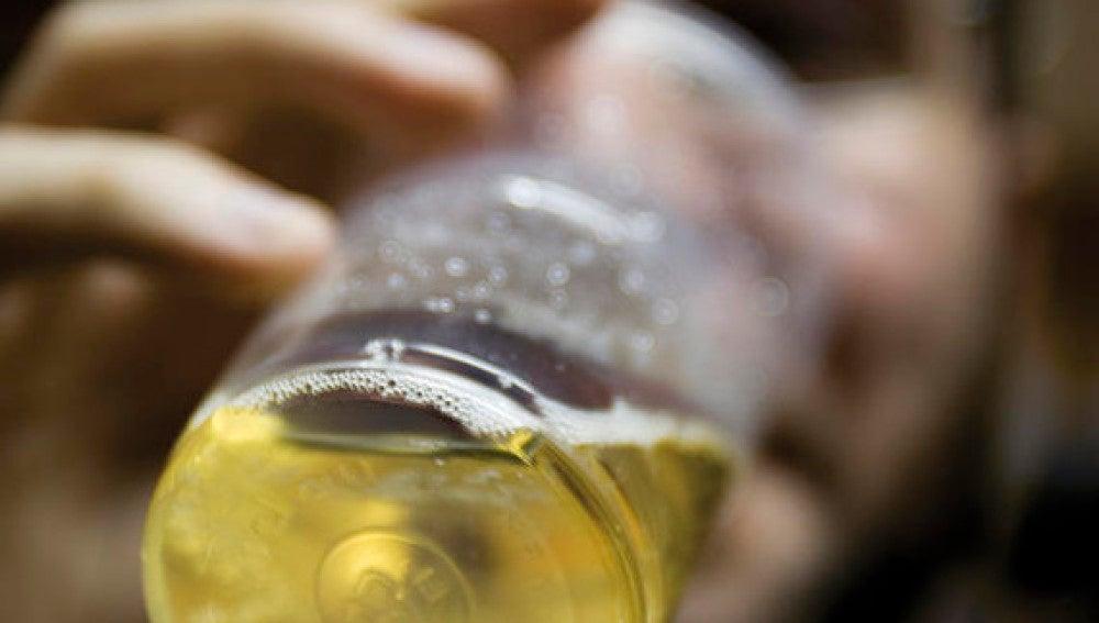 Los hombres se vuelven mas agresivos que las mujeres con el alcohol