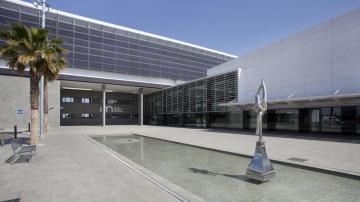 Imagen de la entrada del Hospital Los Arcos de San Javier