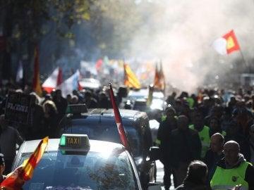 Miles de taxistas de toda España se manifiestan en Madrid