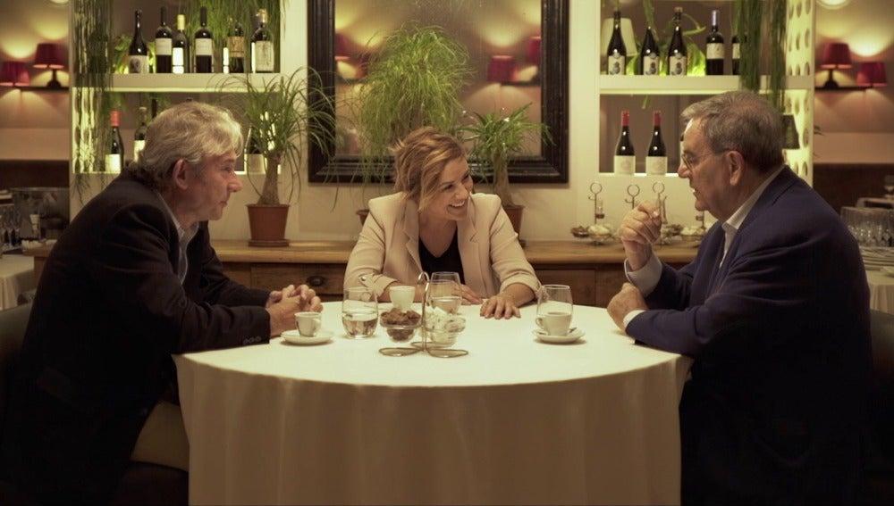 Cristina Pardo con Lluís Foix y Enrique González