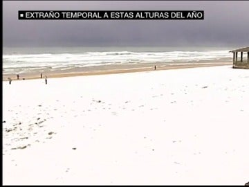 La playa de San Sebastián nevada.