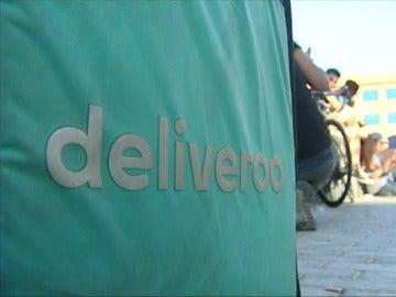 El logo de la empresa Deliveroo