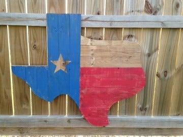 Mapa y bandera de Texas en madera