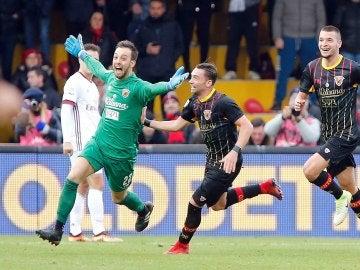 Brignoli, portero del Benevento marcó el gol de empate
