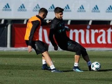 Marco Asensio durante el entrenamiento
