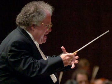 El director de orquesta, James Levine