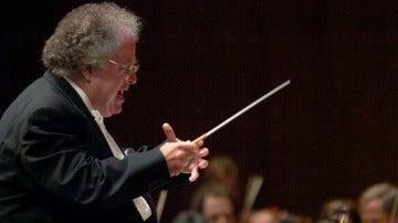 El director de orquesta, James Levine