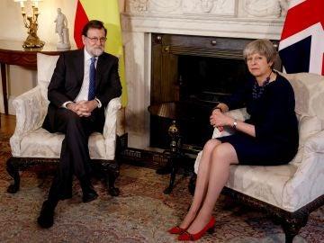 Mariano Rajoy durante la entrevista que mantuvo con Theresa May