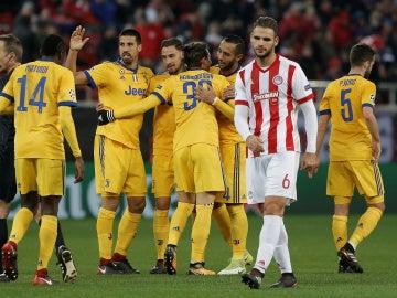 Los jugadores de la Juventus celebran un gol ante el Olympiacos