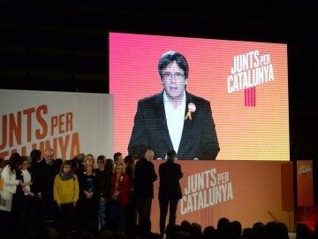Puigdemont abre la campaña electoral del 21D por videoconferencia