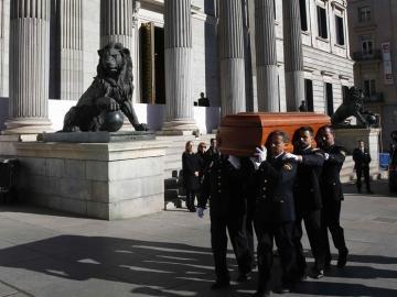 Llegada del féretro con los restos mortales del expresidente del Congreso Manuel Marín