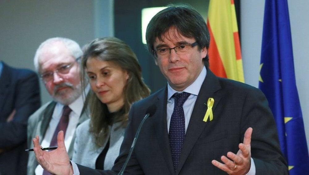 Carles Puigdemont comparece ante los medios en Bruselas