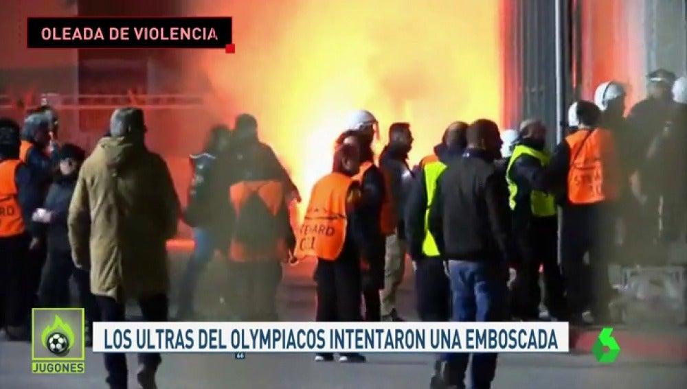 Los ultras del Olympiacos intentaron atacar a aficionados de la Juve en Atenas