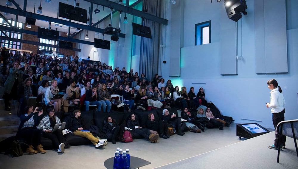 Celia Arozamena presenta su proyecto en Campus Women