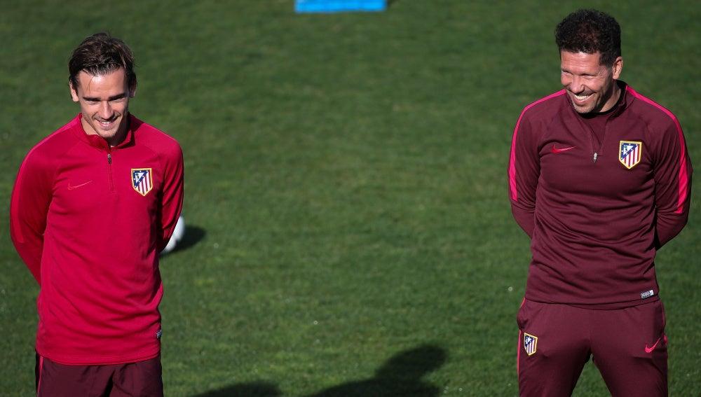 Griezmann y Simeone, durante un entrenamiento del Atleti