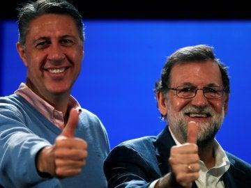 Mariano Rajoy durante el acto de campaña con motivo del 21D, junto al Xavier García Albiol