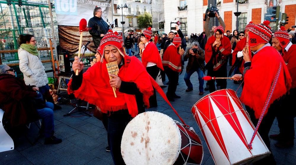 Acto en solidaridad con las personas inmigrantes celebrado en la madrileña Puerta del Sol, con motivo del Día Internacional del Migrante