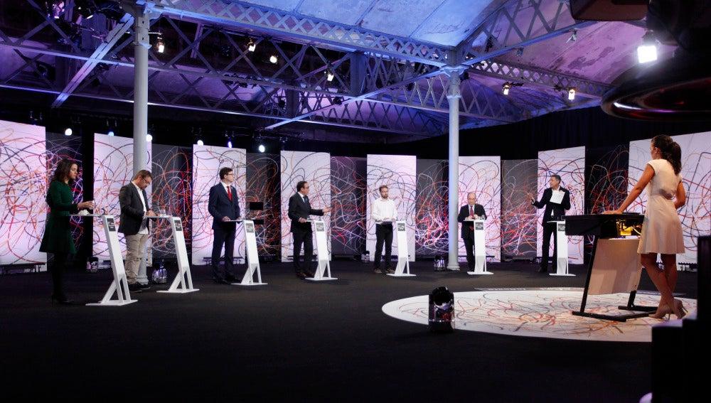 Debate entre los siete principales partidos de Cataluña moderado por Ana Pastor