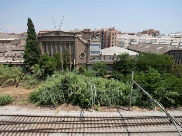 Imagen de la fábrica que Uralita tenía entre las localidades de Cerdanyola y Ripollet (Barcelona)