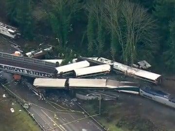 El tren descarrilado en Seattle, Estados Unidos.