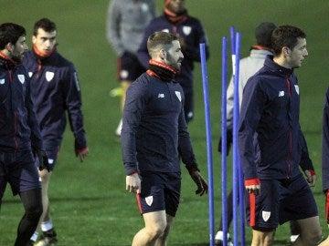 Yeray Álvarez, durante un entrenamiento con el Athletic