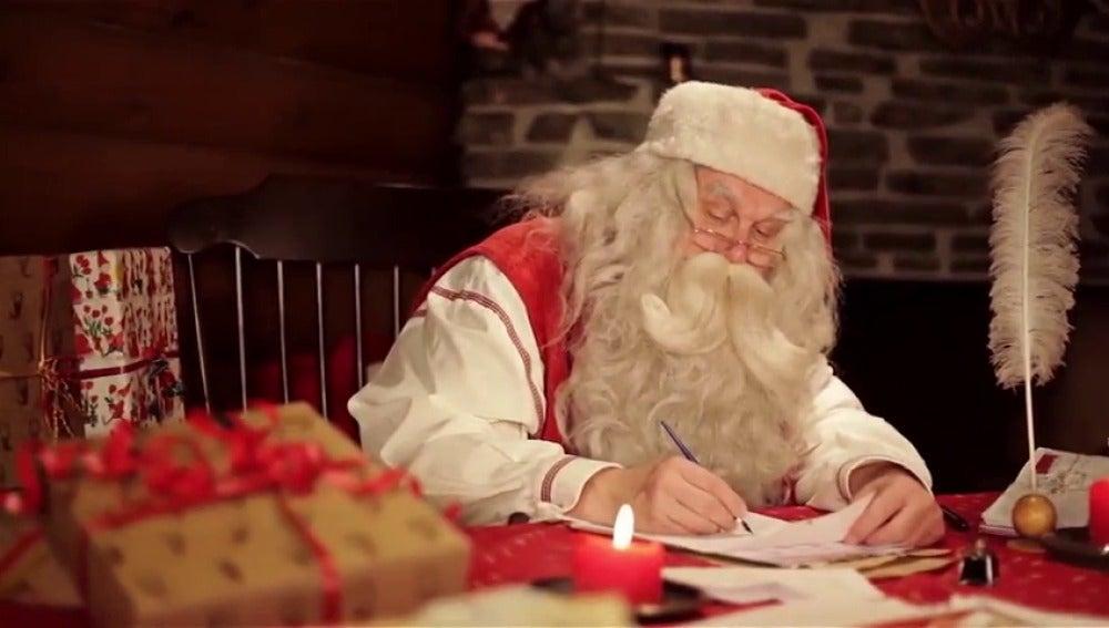 Los niños podrán disfrutar ver como Papá Noel y Los Reyes Magos preparan la Navidad