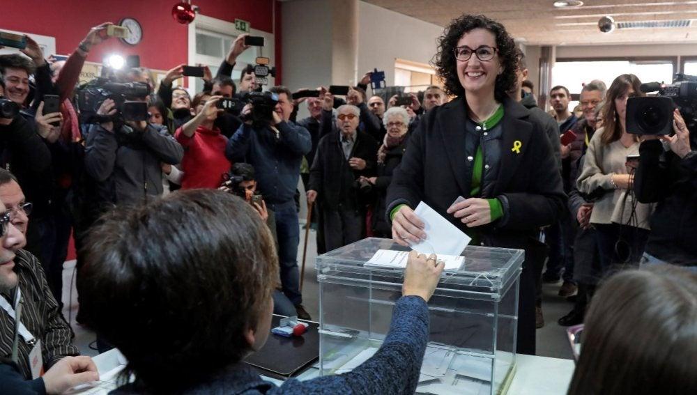 Marta Rovira votando este 21D