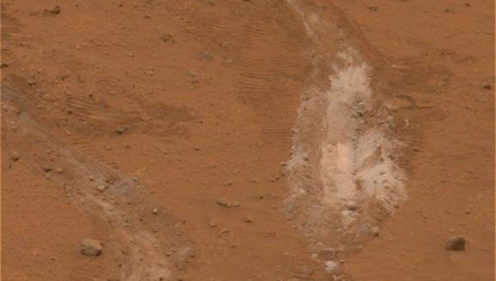 Rastro que dejó la rueda del rover Spirit en 2008