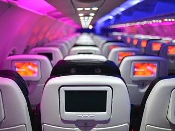 Las aerolíneas podrían eliminar las pantallas en sus asientos