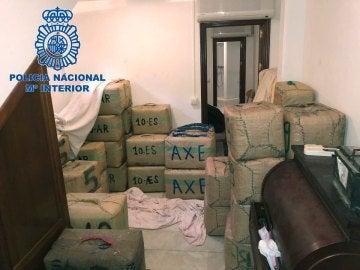 La Policía Nacional ha intervenido en La Línea de la Concepción (Cádiz) 3.000 kilos de hachís