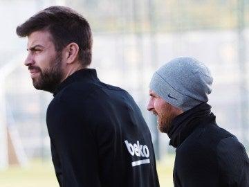 Messi y Piqué, insultados en el Bernabéu